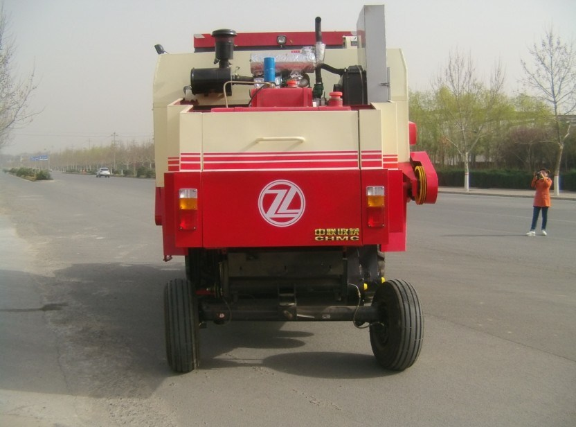 Wheel Type Good Price for Mini Combine Harvester