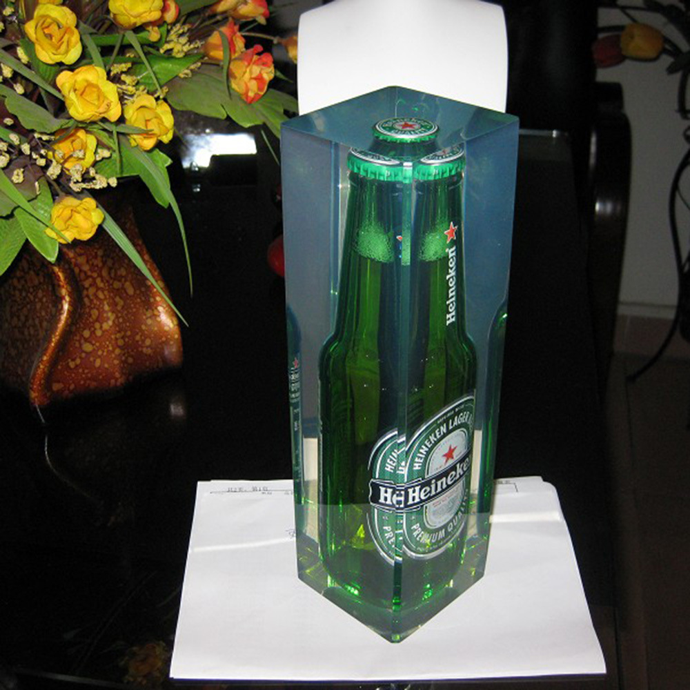 Customize High Transparency Resin Clear Statue Display for Office/Hotel/ Home