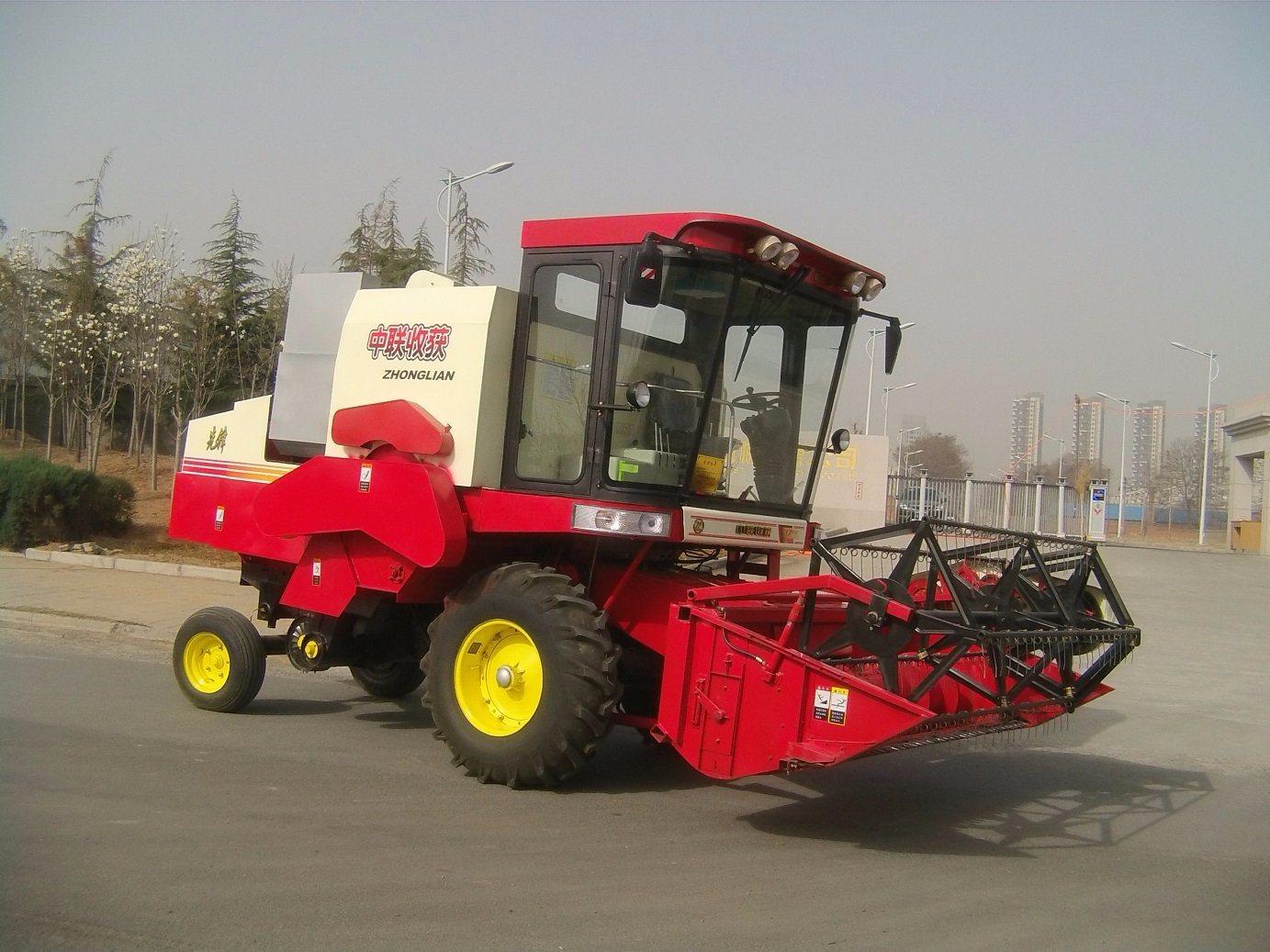 Small Size Wheel Type Rice Combine Reaper Machine