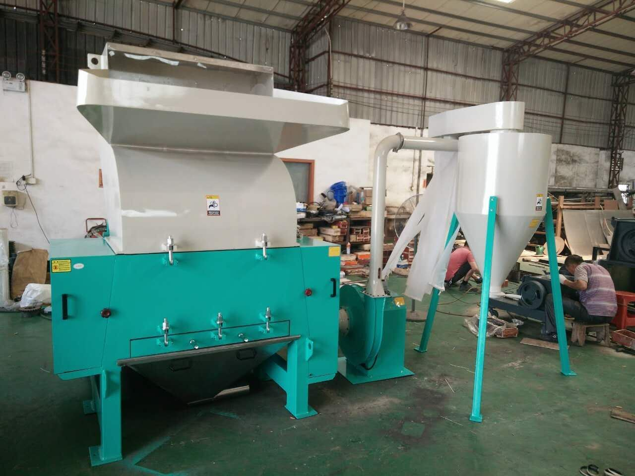 Hard Plastic Crusher Sspc-30 with High Quality and High Efficiency