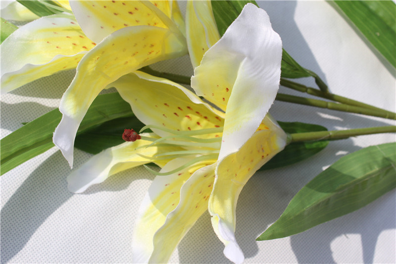 The Multicolor Artificial Lily Flowers for Home Decoration