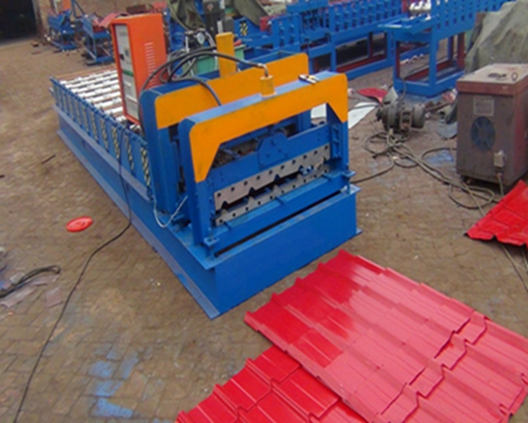 828 Colored Glazed Tile Roofing Sheet Roll Forming Machine