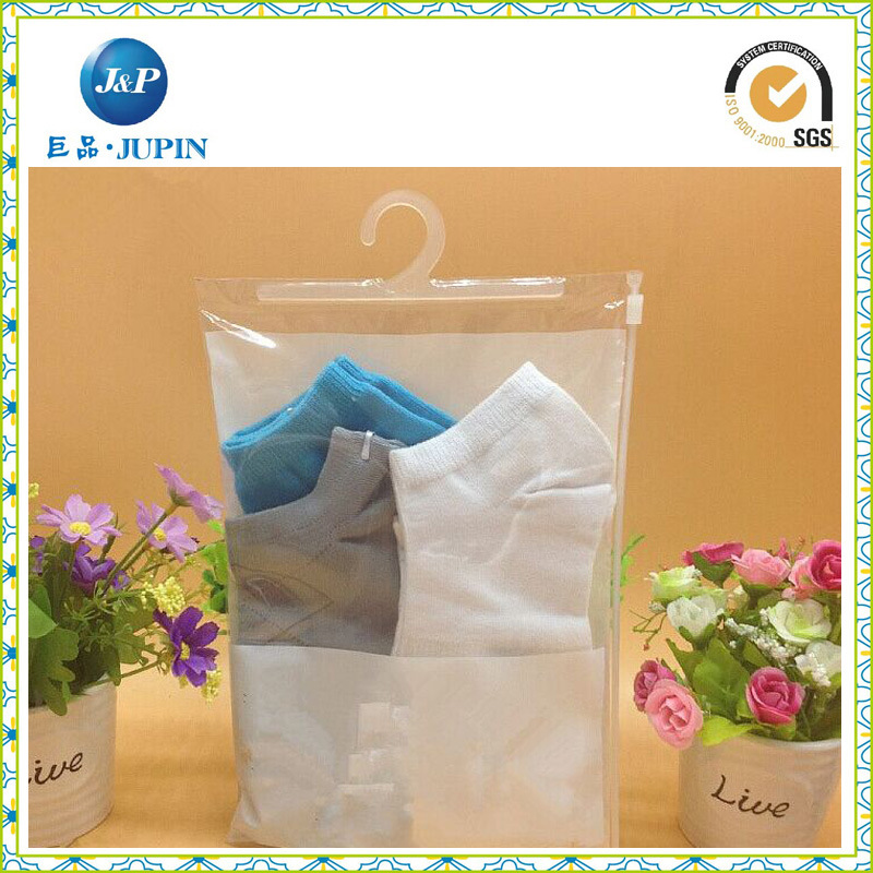PVC Clothes and Underwear Plastic Bag, PVC Cosmetic Packing Bag with a Hook / Hanger and Button (JP-plastic004)