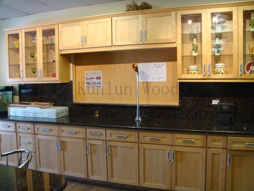 Kitchen Cabinet Showroom (Natural Maple Shaker)