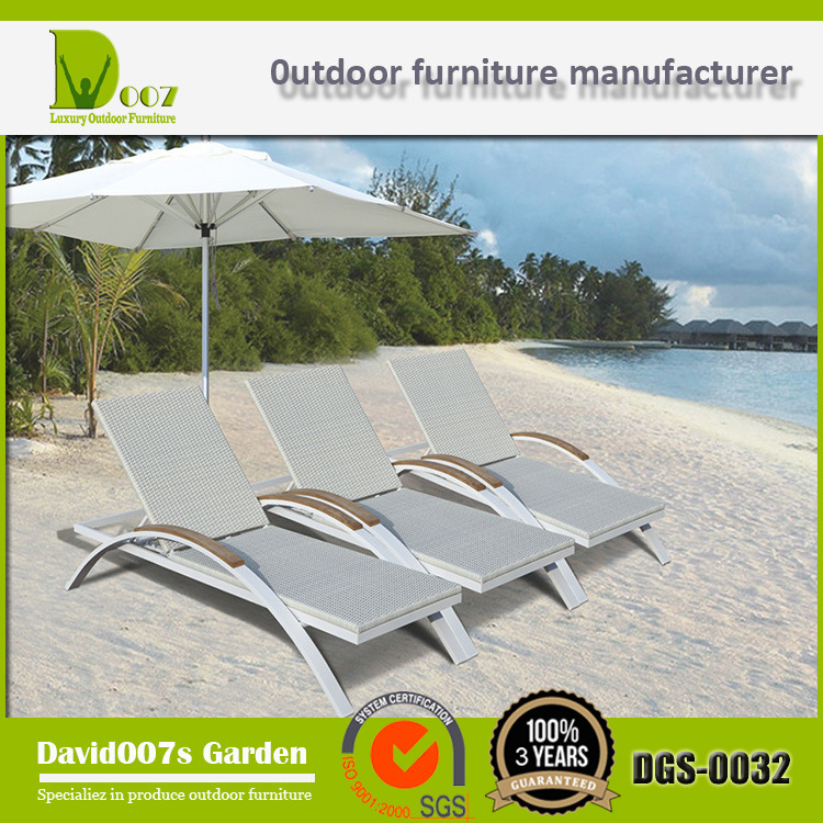 Rattan Outdoor Furniture Beach Chair/ Sunbed/ Sun Lounger/Daybed