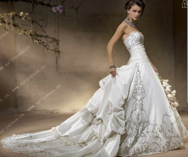 Wedding Dresses Luxury : China hot new noble luxury embroidery lace bead long wedding dress bride gown