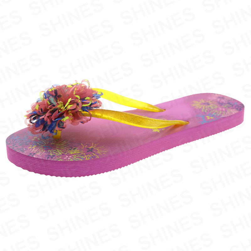 Women Rubber Slipper with Fabric Flower