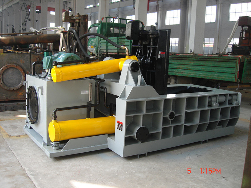 Scrap Compress Baler Packaging Machine- (YDF-100A)