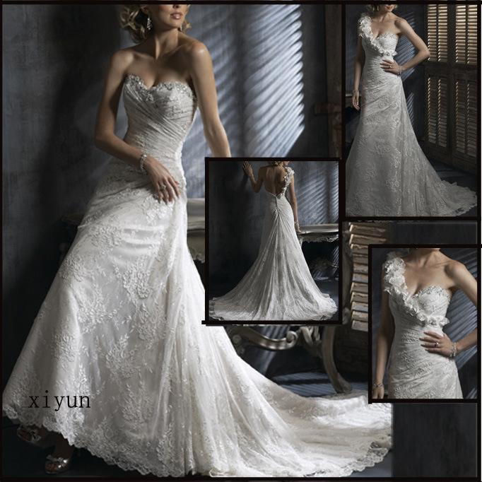 White and Lace Wedding Dress yan11