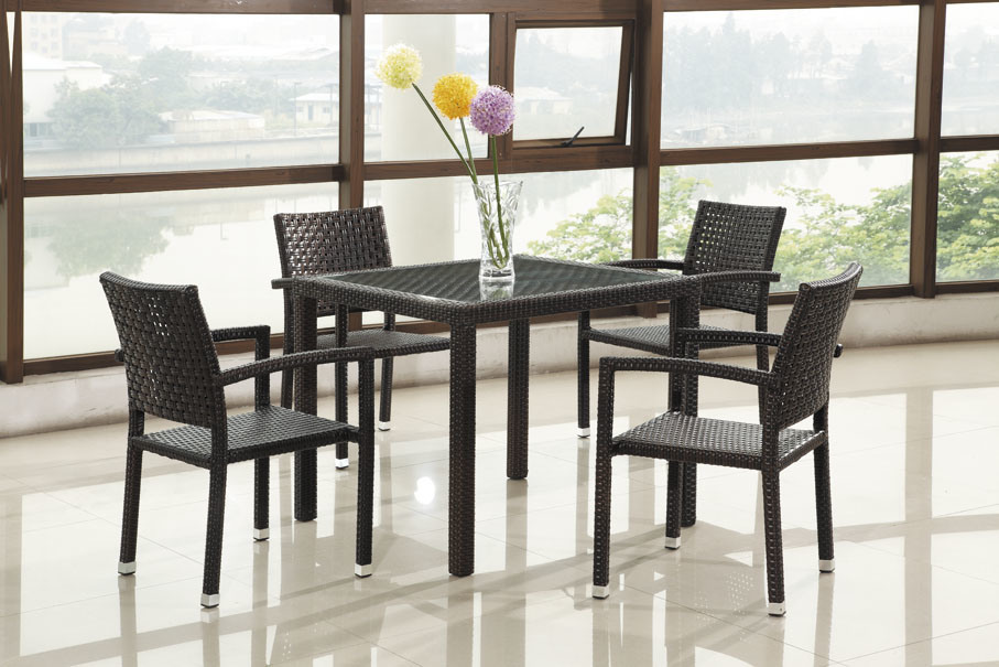 Garden Rattan Dining Table Set / Rattan Table and Chair (BZ-D031)