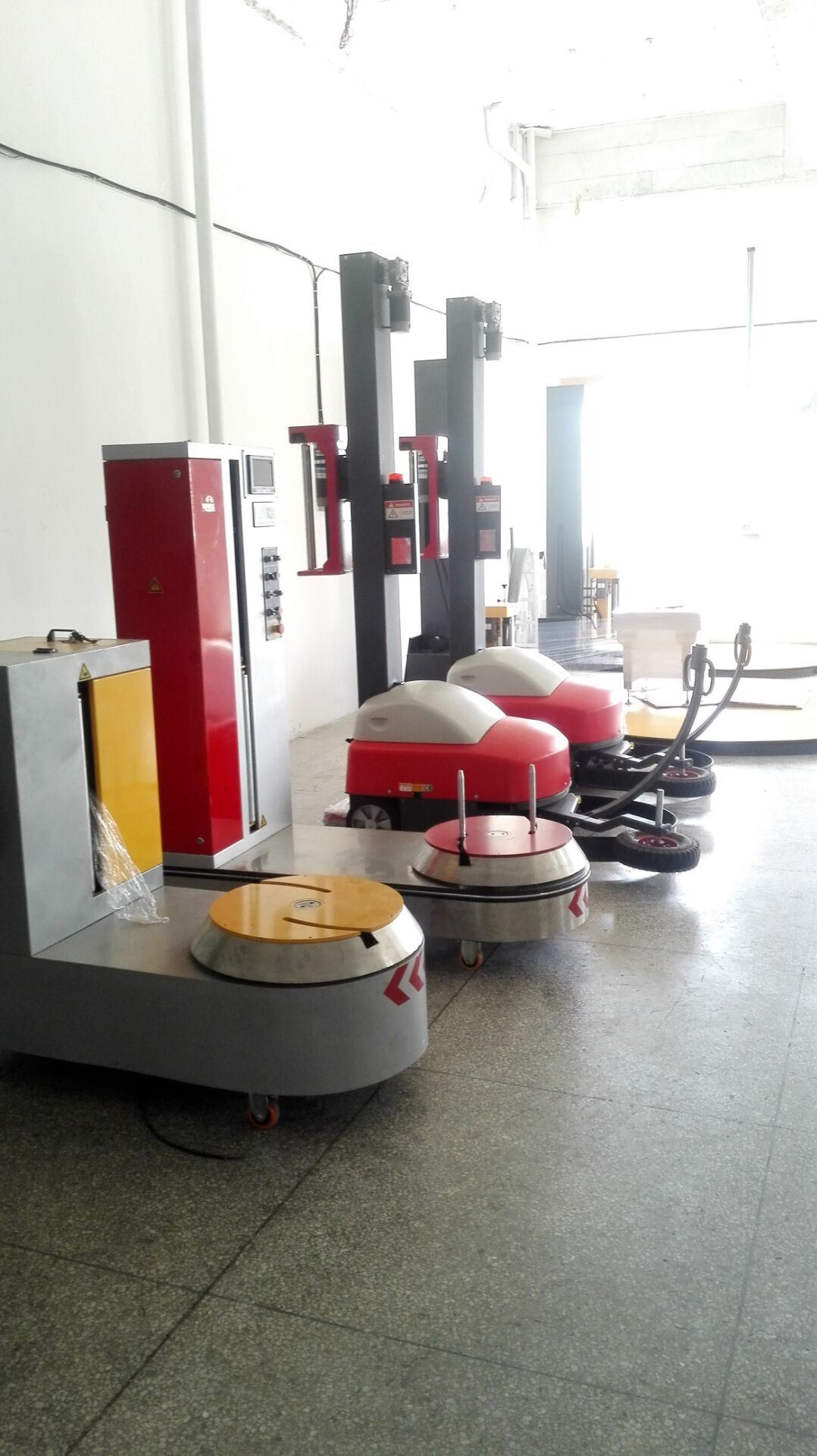 New Condition Automatic Robot Pallet Wrapping Machine/Self-Propelled Wrapping Machine