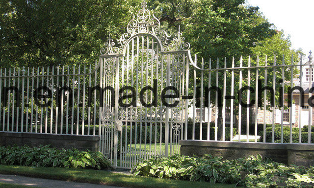 Arts and Crafts Wrought Iron Fence for Garden
