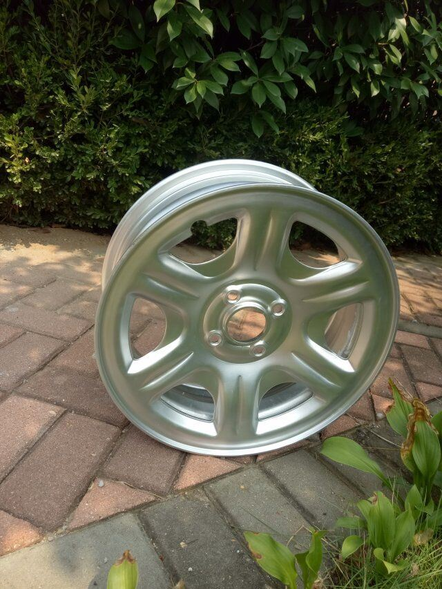 Light Weight Car Steel Wheel Rim (6J*15, 5J*14)