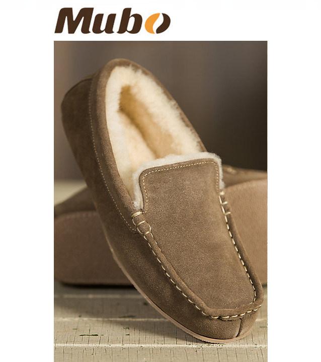 Men′s Suede Moccasin Sheepskin Slipper Shoes