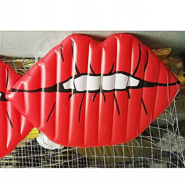 Inflatable Sexy Red Lip Mouth Pool Floating Toy
