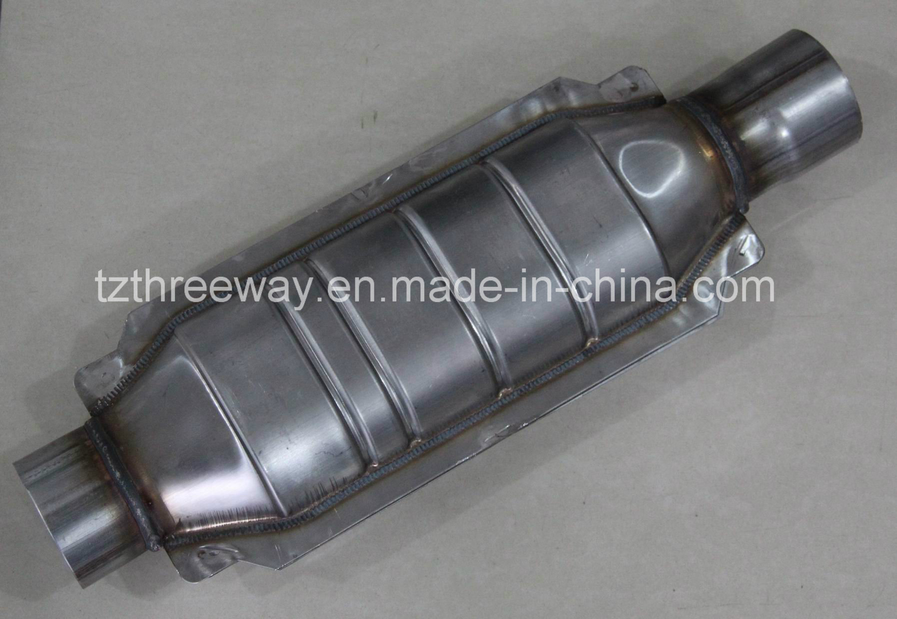 Magnaflow Universal High-Flow Catalytic Converter Oval 20′′ Length-Without Heat Shield