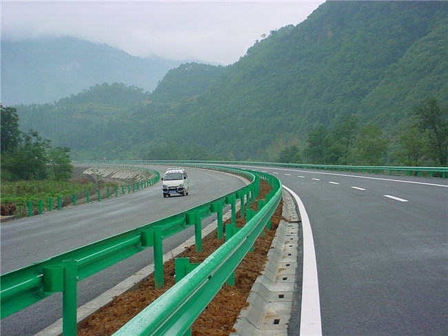 W Beam Galvanized Metal Crash Barrier for Highway