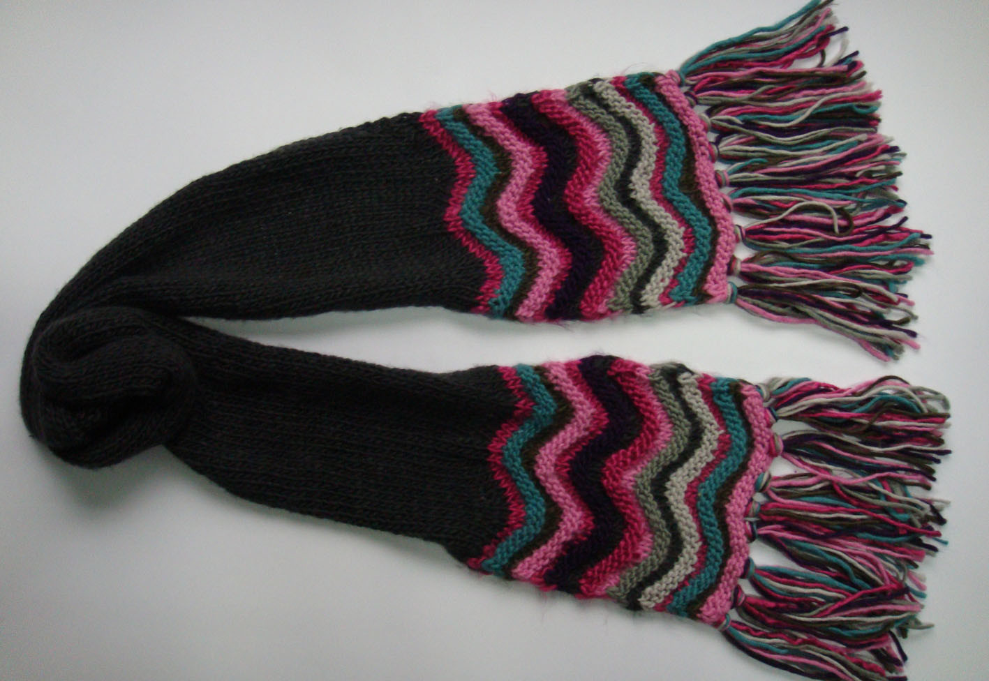 Knitting Pattern Striped Scarf : China Ladies Fashion Striped Knitted Scarf (KBHY07865) - China Knitted Scarf,...