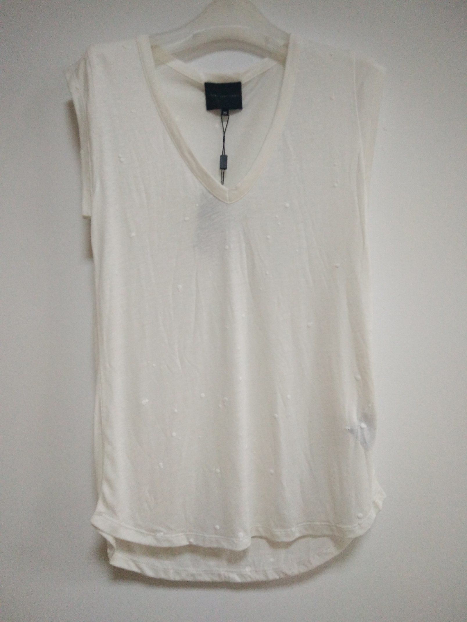 Women′s T-Shirt for Lady, White, Sleeveless, V Neck