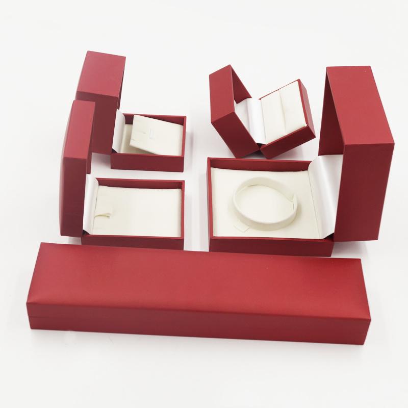 Ring Pendant Bracelet Jewelry Jewellery Box with Embossing (J98-EX)