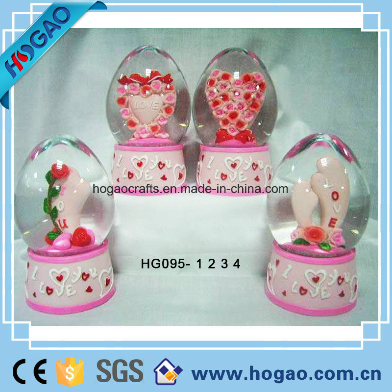 Polyresin Egg Shape Snow Globe for Wedding Gift (HGS011)