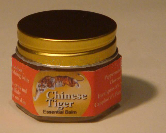 Chinese Tiger Balm: Essential Balm 18.4G/Bottle