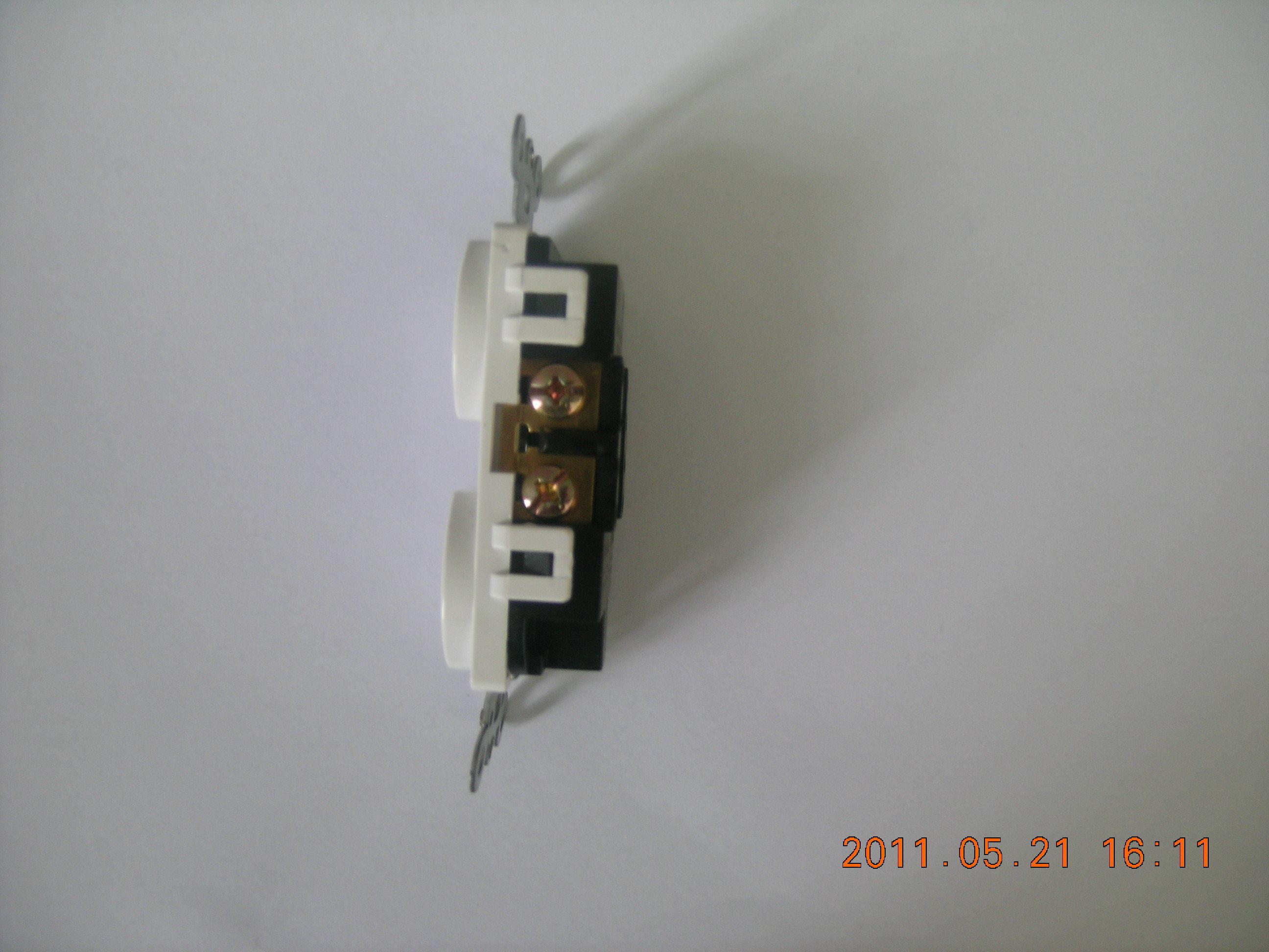 Standard Duplex Receptacle, Straight Blade, Residential Grade, 15 a, 125VAC, NEMA 5-15r, UL Listing