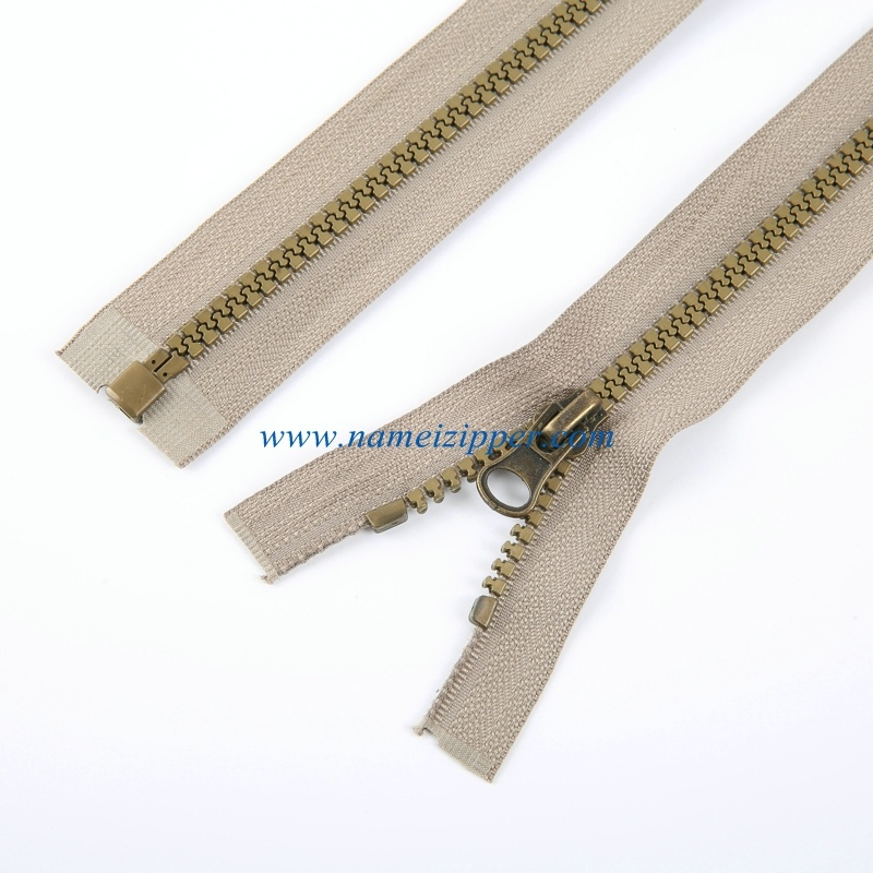 No. 5 Plastic Zipper O/E a/L Antique Brass Color Teeth
