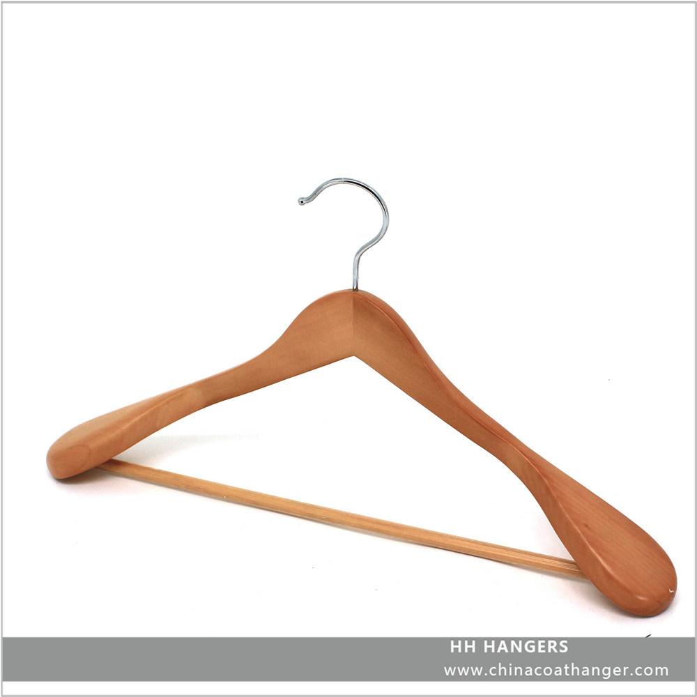 Eco Friendly Wooden Big Shoulder Natural Suit Jacket Hanger Wooden Clothes Hanger Hangers for Jeans