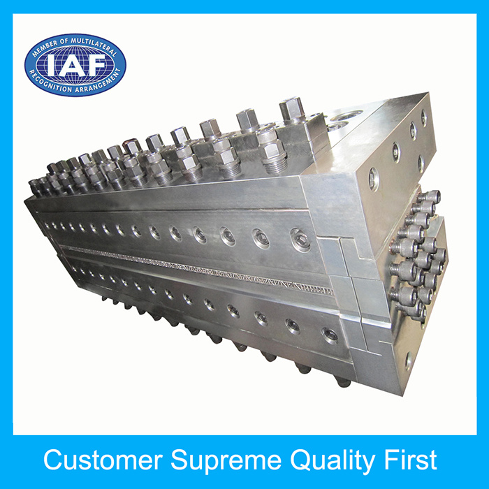 PP Adjustable Hollow Grid Plate Extrusion Plastic Die