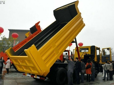 Hongyan Tipper Dump Truck Loading Stone Truck