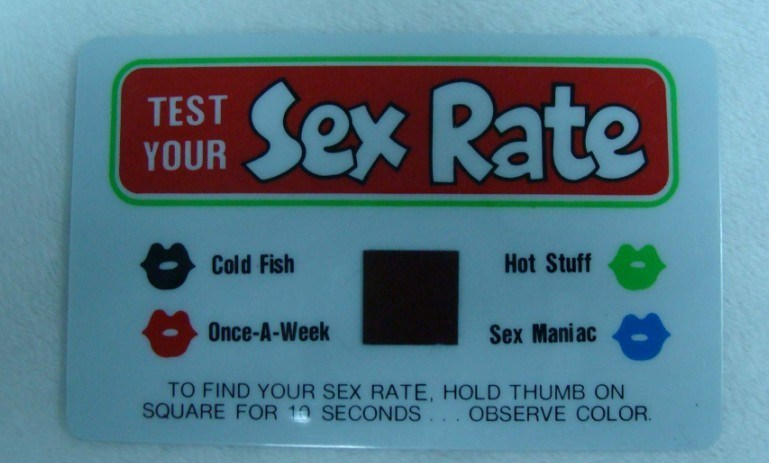 Sex Rate Test Card YW STC 001  Teen fingers her love tunnel out by the lake