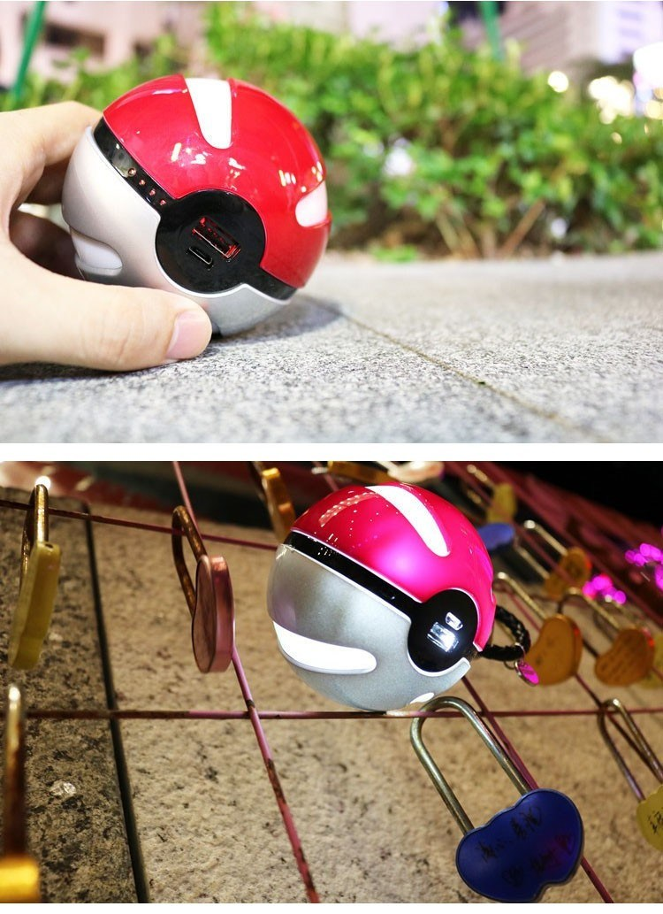 Hot Selling 10000mAh Universal Pokemon Go Smart Power Bank Portable Charger with LED Light for Phone USB Pokeball Power Bank