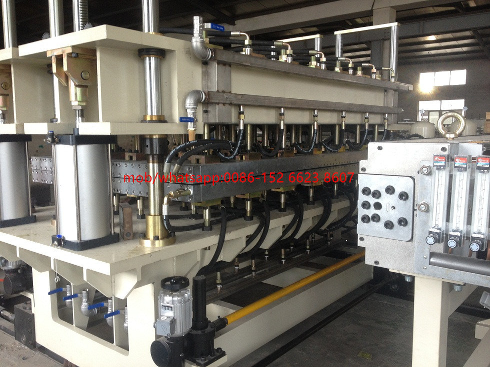 PC U-Shaped Lock Roofing Panel Extrusion Machine