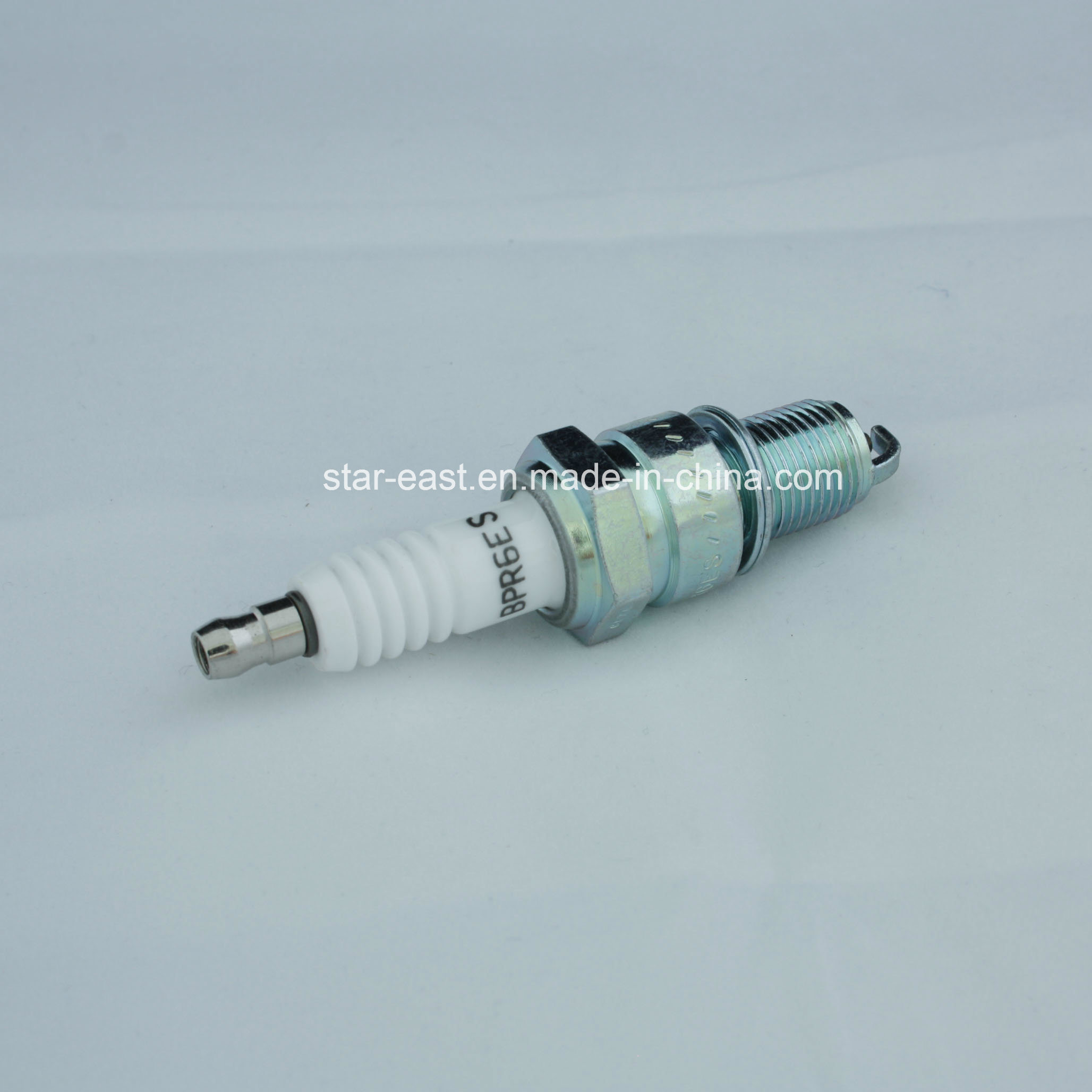Hight Quality Spark Plug for Ngk Bpr6es Toyota/Mazda/Nissan