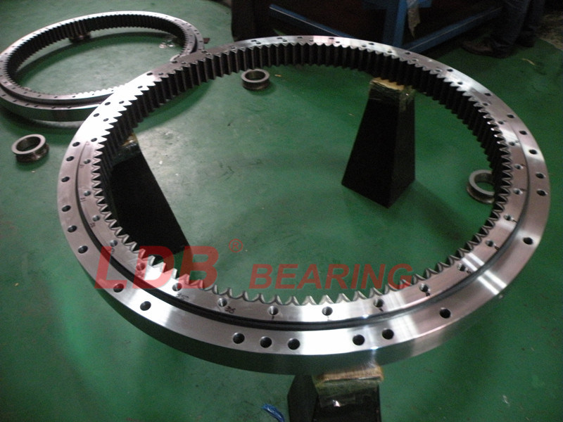 Pentium Quality Slewing Bearing & Slewing Drive