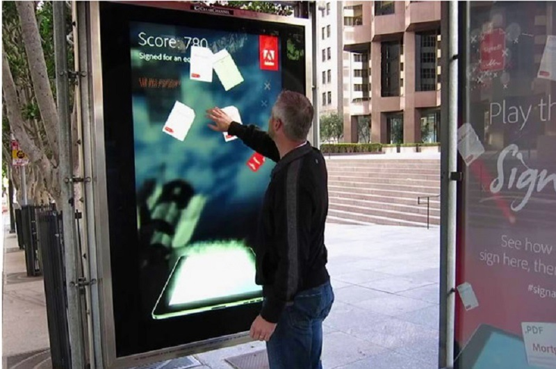 72inch Intelligence Digital Signage LCD Display for Bus Shelter