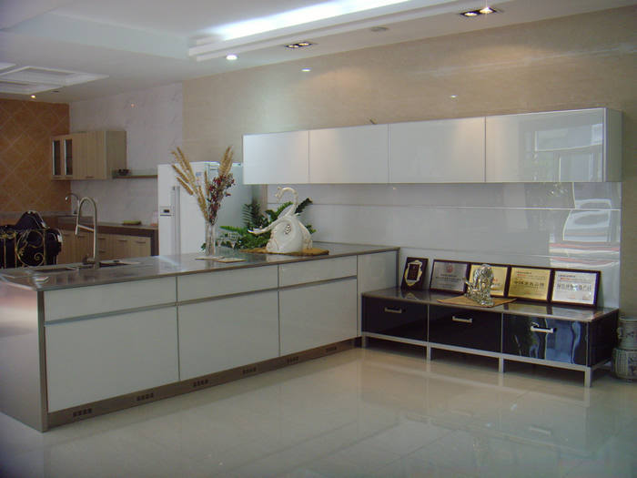 Top White Kitchen Cabinets with Glass Doors 700 x 525 · 46 kB · jpeg