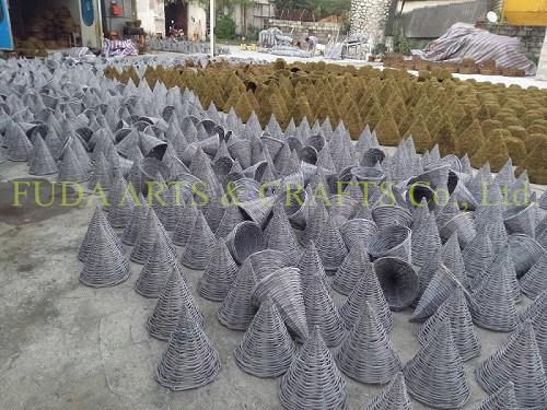 Durable Black Rattan Outdoor Garden Plant Pot