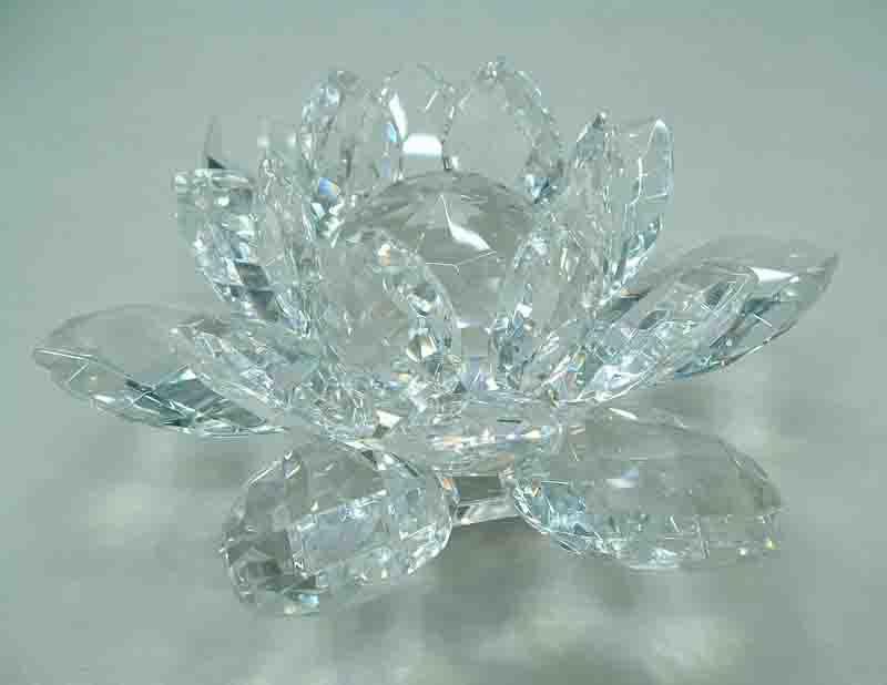 bougeoir en cristal de lotus oem co 014 bougeoir en cristal de lotus oem co 014 fournis par. Black Bedroom Furniture Sets. Home Design Ideas
