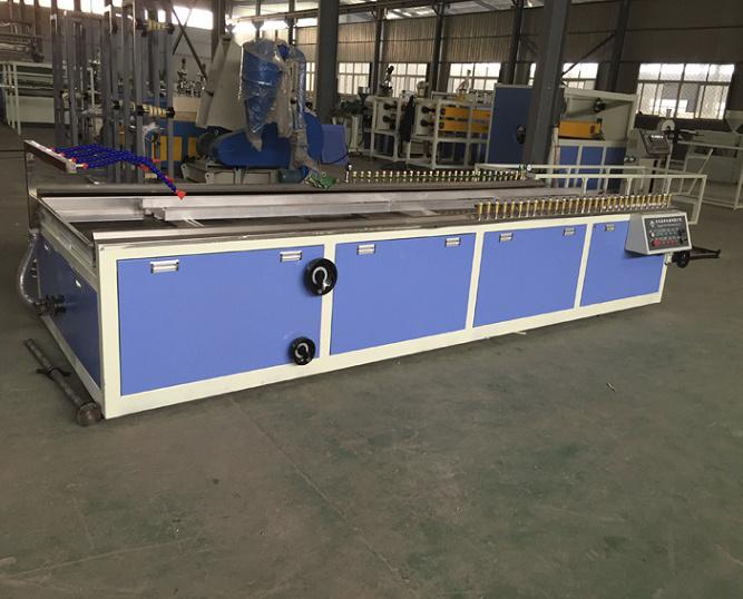 PVC Wood Profile Plastic Making Machine Line/WPC Profile and Board Production Line