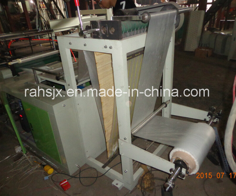 Wq-600 Computer PE Apron Roll Making Machine