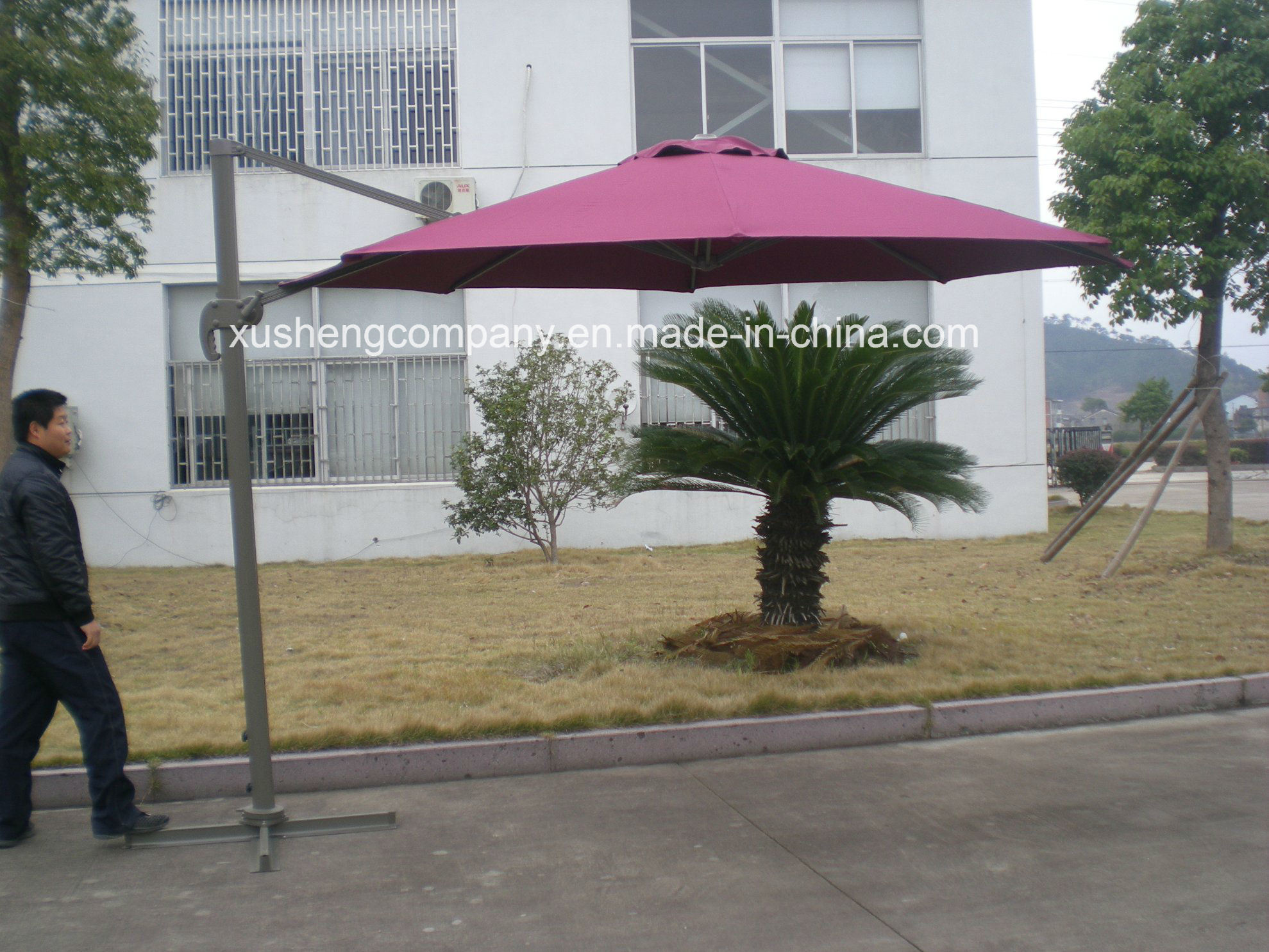 Fancy Rotating Patio Umbrella Parasol with Base