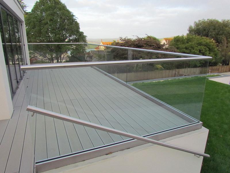 China Inox Decking U Channel Glass Aluminium Balustrade