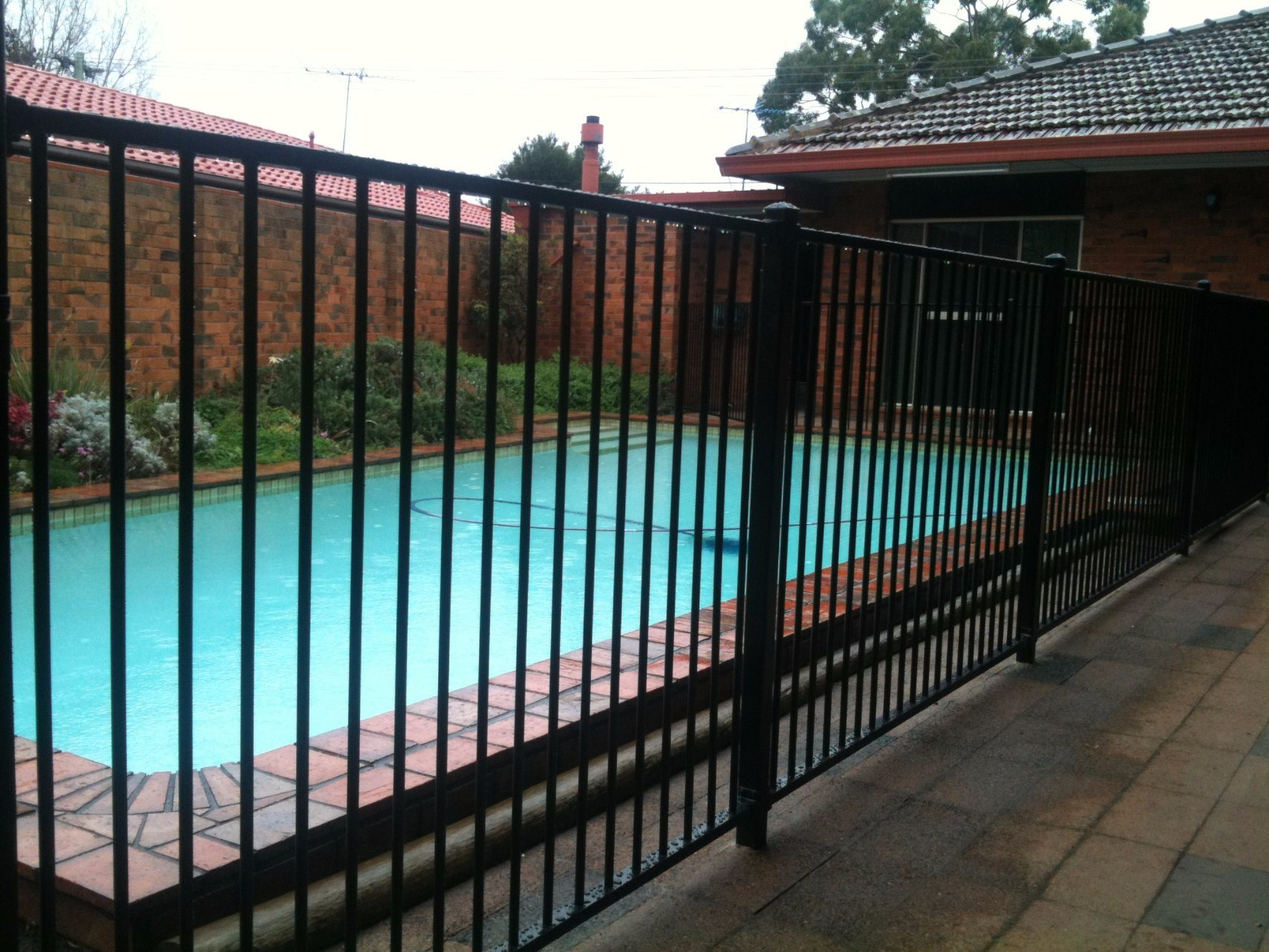 Low Price Security Ornamental Garden Fence with Gate