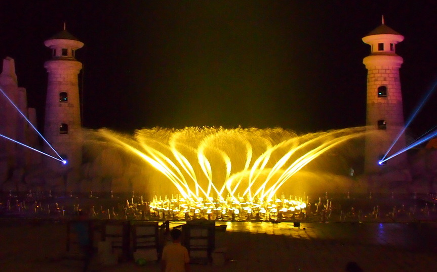Digital Control Music Laser Water Fountain in Vietnam Phu Quoc Island
