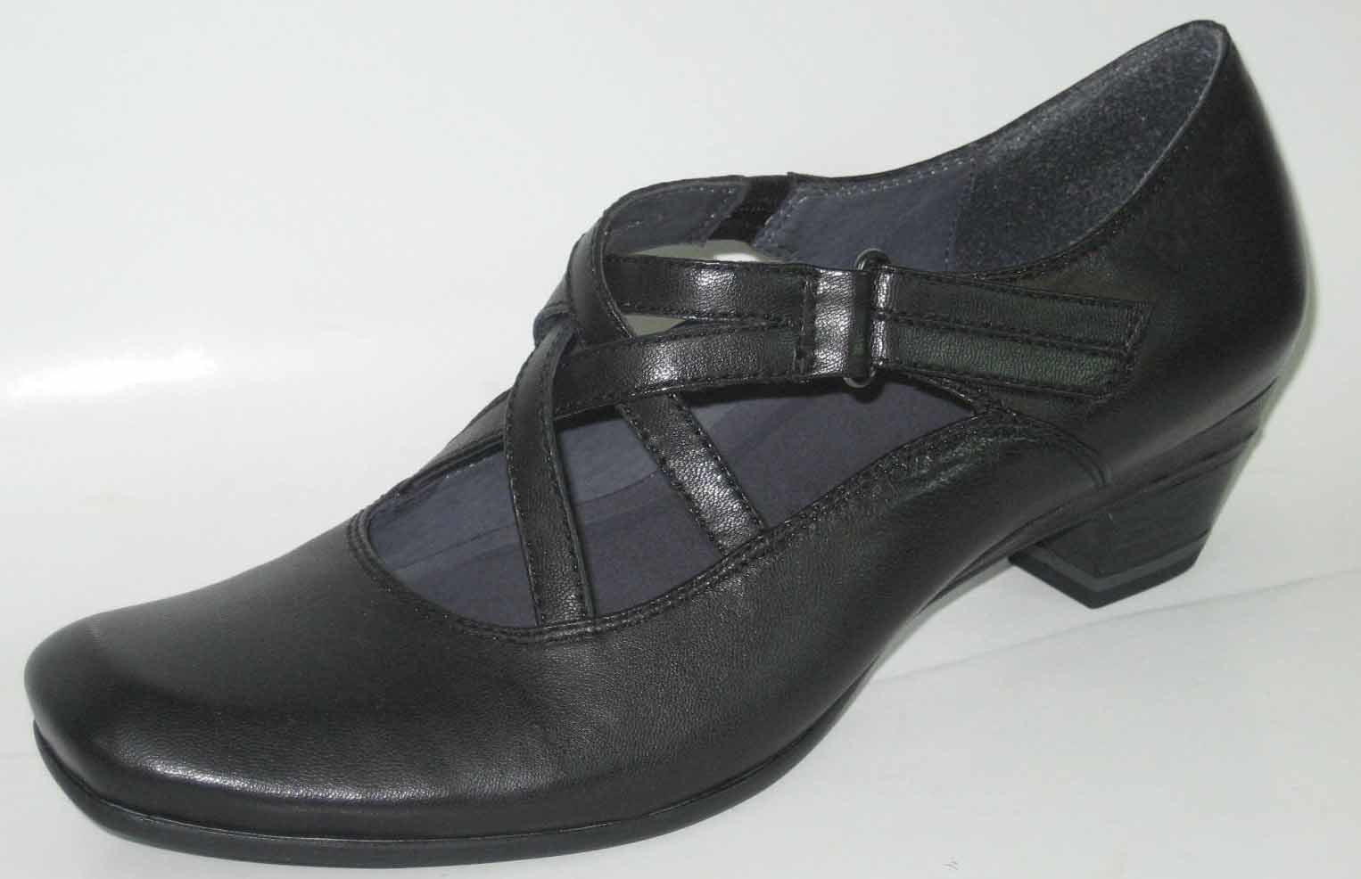 Women's ATS Leather Shoes 041013 01.JPG