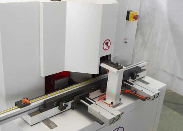 CNC Automatic Dual Saw Cutting Machine Tc-828A