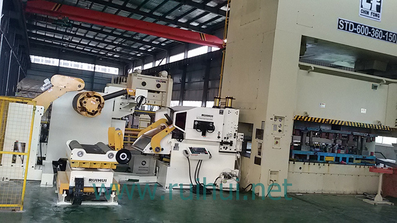 Automation Machine Nc Servo Straightener Feeder and Uncoiler Make Material Straightening