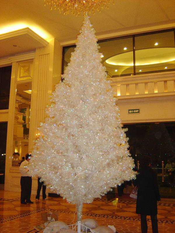 Artificial Christmas Tree Outdoor Using